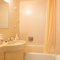 *【洋室/バストイレ一例】和室以外はバストイレ完備!