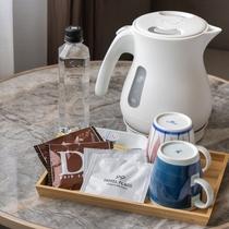 新館客室/地元長崎を代表する陶器「波佐見焼」のマグカップ