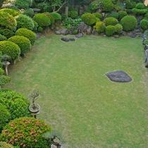 【日本庭園】しっかりと手入れが行き届いた庭園は、レストラン「ガーデン」よりご覧いただけます。