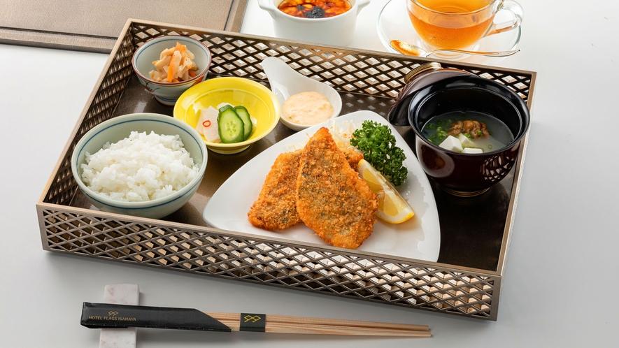 【橘湾産海鮮フライディナー】メニューはその時のお楽しみ!旬の海の幸が、ホクホク&サクサクの食感に