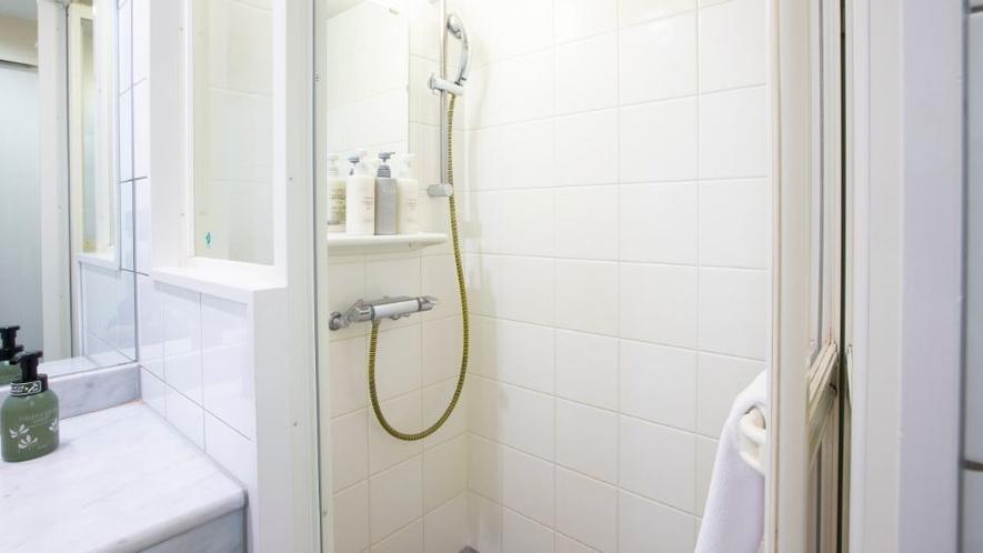 シャワールーム【ワイドシャワーダブル】