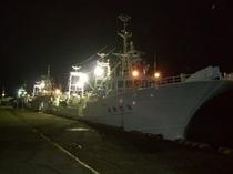 大型底引き船