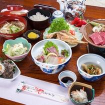*【夕食一例】お造り、煮物、焼き物などボリューム満点