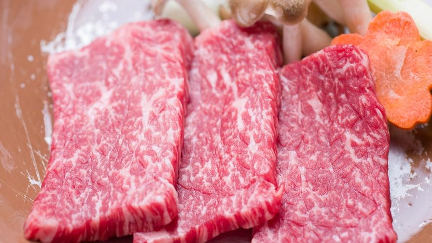 *【夕食一例】地元のブランド牛「壱岐牛」は陶板焼きでどうぞ