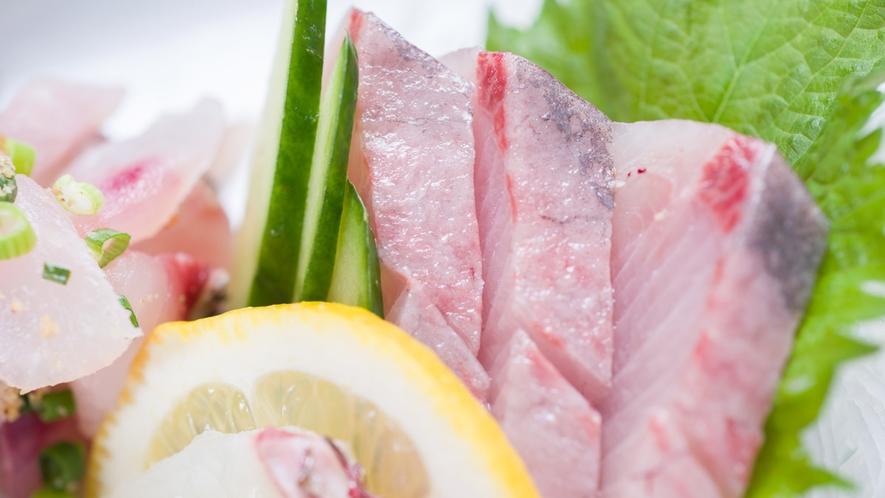 *【夕食一例】季節や仕入れによって変わるお造り盛り合わせ