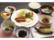 朝食一例 525円で注文できます。素泊まりの方にも好評!