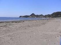 宿より徒歩1分砂浜の広い岩井海岸