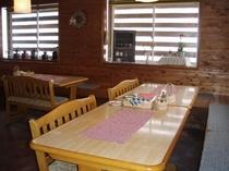 レストラン 禁煙席側