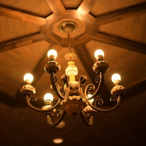 レストランアムール内の照明も大正ロマンをイメージしました♪