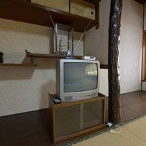 *お部屋のテレビは昔ながらのブラウン管テレビとなります。