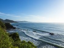 青々とした日本海の絶景を愉しむ