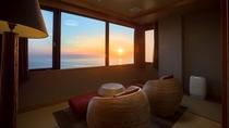 【最上階客室「天空」】オーシャンビュー絶景と日本海に沈む夕景を満喫。