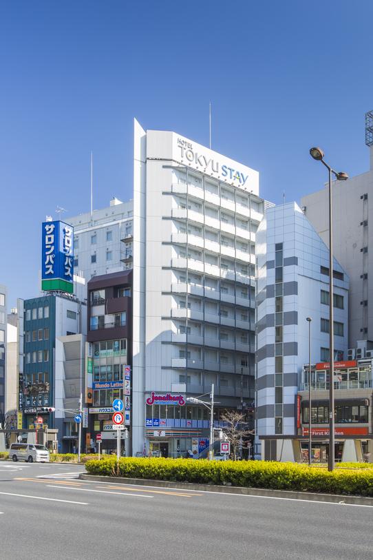 * ホテル外観 *
