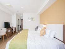 【客室】ツインA(広さ22㎡、ベッド幅123㎝×2台、洗濯乾燥機付き、電子レンジ、ミニキッチン付き)
