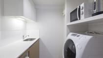 トリプル 洗濯乾燥機とミニキッチン