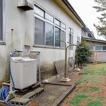*洗濯物干し場/長期滞在や、夏の日のお洗濯に適した洗濯物干し場です。