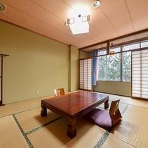 *2階和室10畳/広々とした和室は旅行の疲れを癒すのに抜群です!