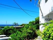 【外観】一番近くの人気のビーチまで徒歩3分の好立地!