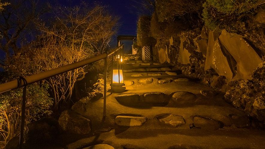 標高800mの高台に佇み、箱根外輪山を見渡す宿。