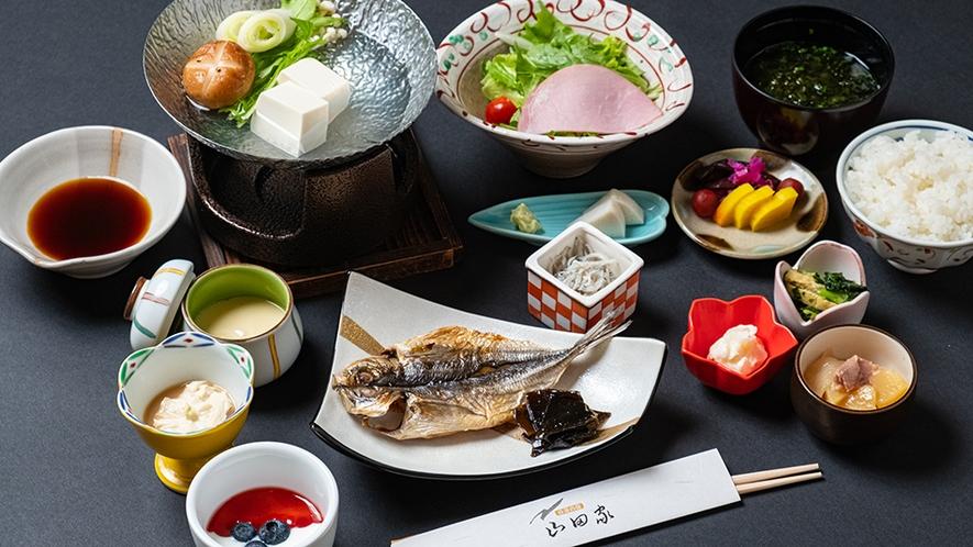 「朝食一例」箱根西麓野菜をはじめ、地場の食材を大切に、季節懐石風料理を心を込めてお届けしております。