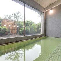 *大浴場/湯量豊富な天然温泉。治癒力に優れた温泉で日頃の疲れを癒しましょう。