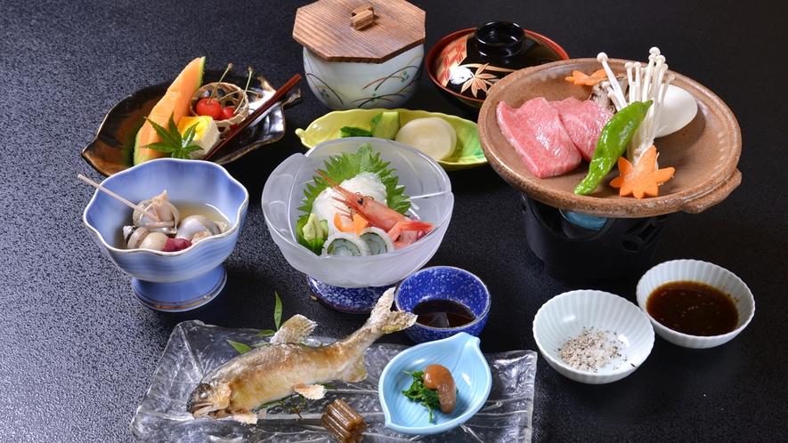 *お夕食一例/旬の恵みをたっぷりと味わえる、里海ならではの味わい深い会席料理をご賞味下さい。