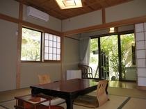 ゆったりと旅の疲れを癒す客室一例 風呂付き客室
