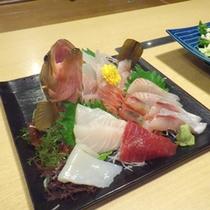 *【夕食例】自分で選んだから、より美味しい!新鮮な海の幸をどうぞ!