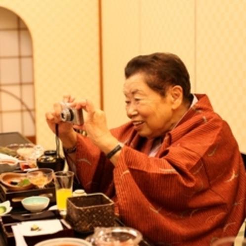 『あ、今良い顔した、こっち向いてー』90歳の奥様が撮る最高の笑顔(^^)