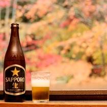 こんなにきれいなお庭を前にして、そりゃあビールがうまいはず!w