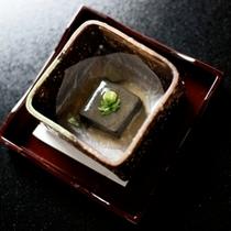 2時間ねって作る黒ゴマ豆腐は、間違いなく皆がうなる美味しさ!