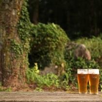 外で飲む生ビールって、本当に格別ですよね!(by若女将)