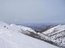 2月27日山頂よりだいくらスキー場方面を望む
