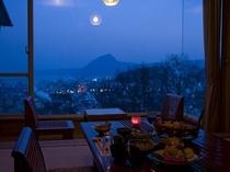 部屋食夜景