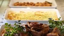 バイキングレストラン/お肉やお魚料理も豊富にご用意しております。