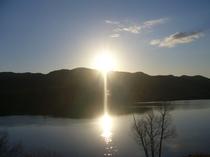 宿浦手堤防からの日の出
