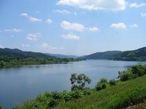 夏の北上川。