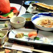 【夕食プレミアム】あさひ蟹、伊勢海老などその日によって異なるプレミアム食材をご提供!