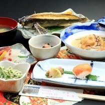 【夕食スタンダード】料理長自ら選んだ旬の食材を日替わりで提供いたします!