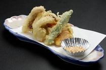 揚物 / 天婦羅(いかげそ、南瓜、椎茸、茄子、ししとう)