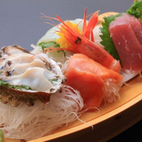 *【お食事一例】新鮮な海の幸を沢山お召し上がりください!