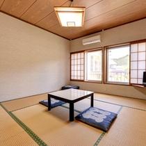 *和室8畳(客室一例)/グループやファミリーでのご宿泊にオススメ!純和風のお部屋でお寛ぎ下さい。