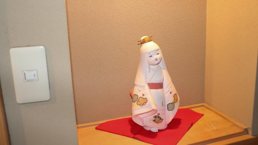 廊下の人形