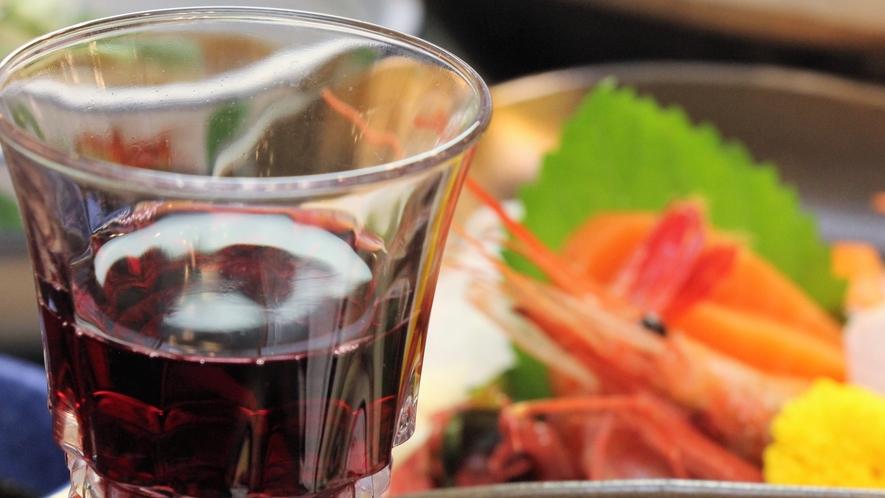 お料理一例 お料理によく合うお酒も豊富に取り揃えております。是非ご賞味ください。
