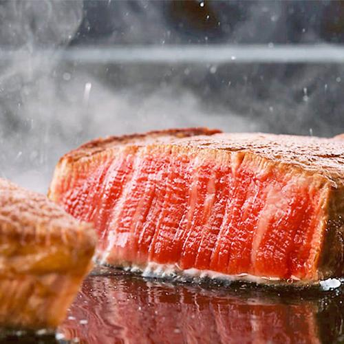 [Option]お肉の甘みが広がる国産和牛をステーキに。