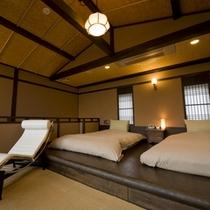 【花タイプのお部屋/2階寝室】