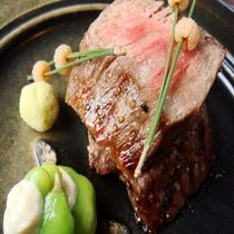 【国産和牛の炭火焼き】口の中で広がるお肉の美味しさをお楽しみ頂けます。