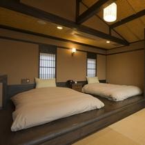 【月タイプのお部屋/2階寝室】和ベッドで快眠を…