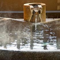 伊豆高原温泉をたっぷりの湯量でご用意いたしました。