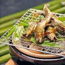 地元近くの狩野川で採れた新鮮なあゆを贅沢にも塩焼きに。素材の味をたっぷりご堪能ください。
